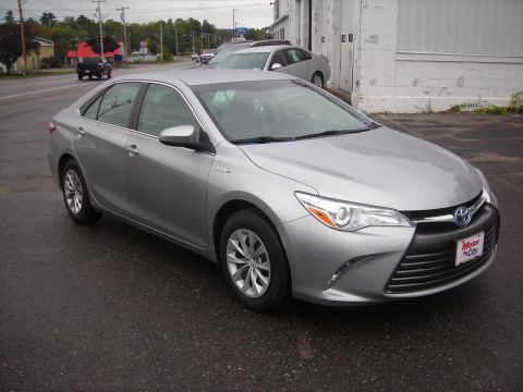 Pre-Owned 2016 Toyota Camry Hybrid LE